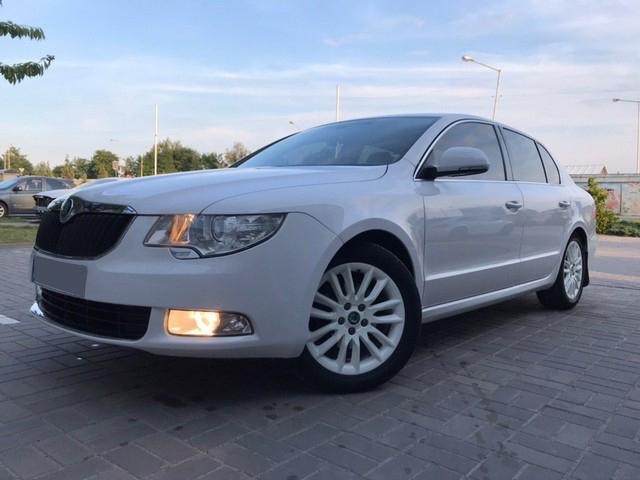 Škoda Superb 2012